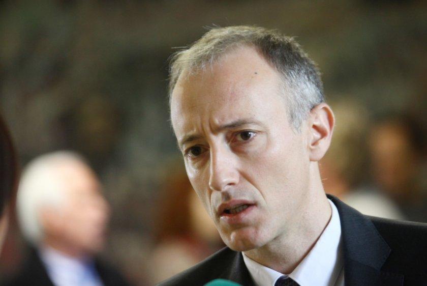 Министърът на просветата Красимир Вълчев изпрати 7 насоки