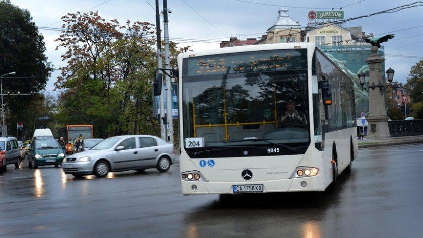 Градският транспорт в София ще се движи с