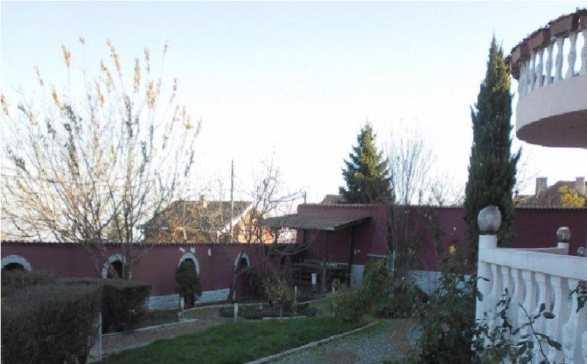 Частен съдебен изпълнител (ЧСИ) продава имението в Марково