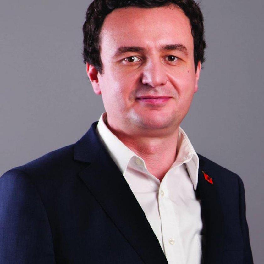 Премиерът на Косово Албин Курти уволни министъра на
