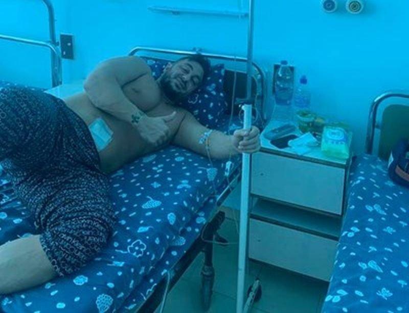 Фолкпевецът Константин е претърпял операция в столична болница.