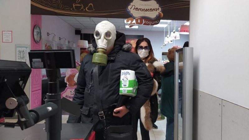 Масово пловдивчани носят маски и лични предпазни средства