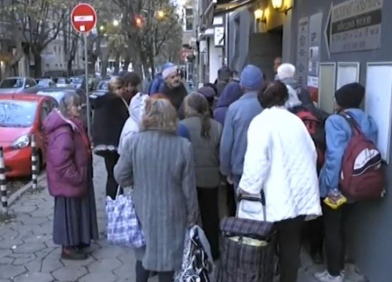 Затварят ресторанта, където цяла зима бездомни и бедни