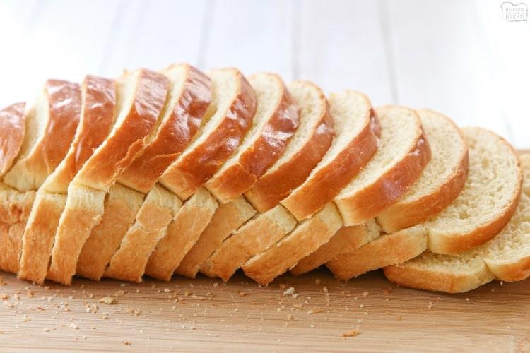 Хлябът, най-евтината и достъпна храна за бедния българин, се очаква