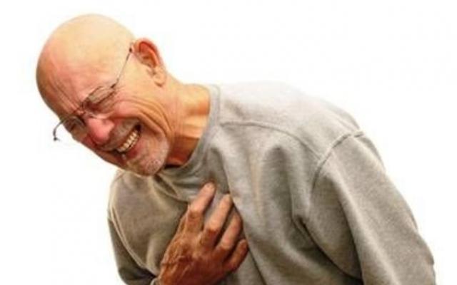 Ако човекът, който е преживял инфаркт е в съзнание, веднага