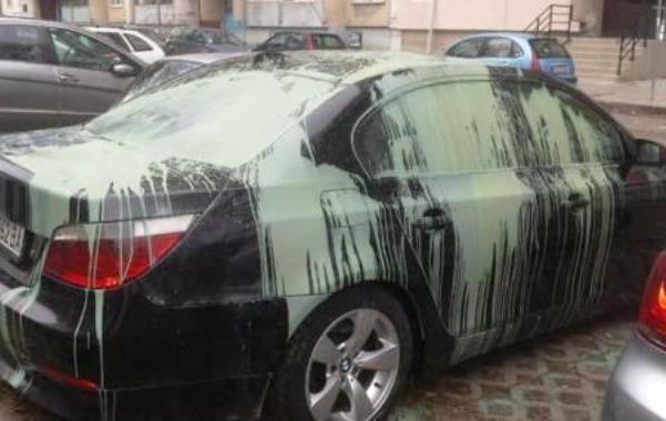 Снимка на автомобила бе публикувана и в една от групите