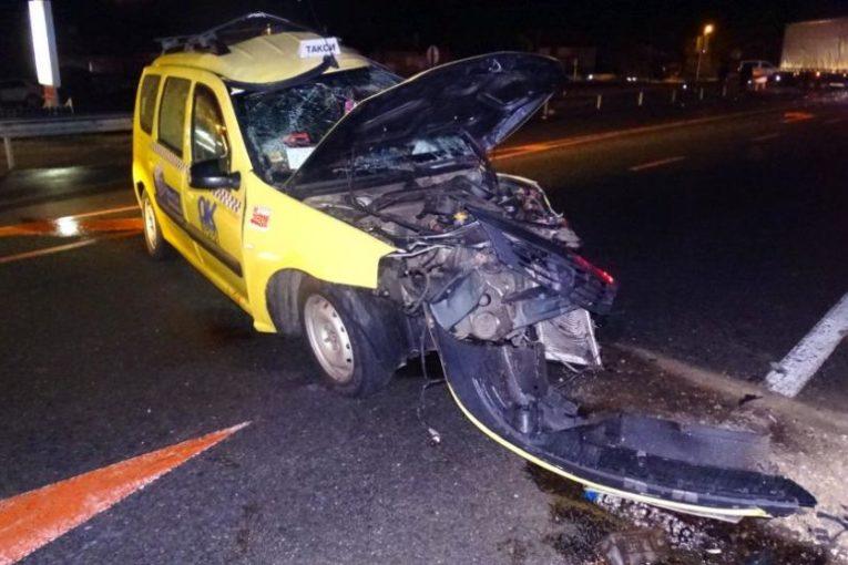 Шофьор на такси загина при катастрофа в района на село