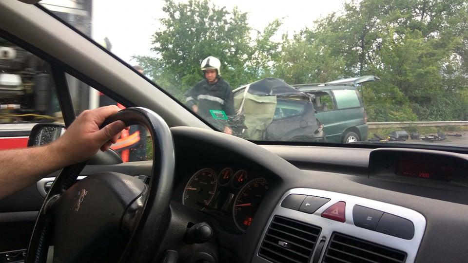 28-годишен шофьор почина на място след удар в товарен автомобил