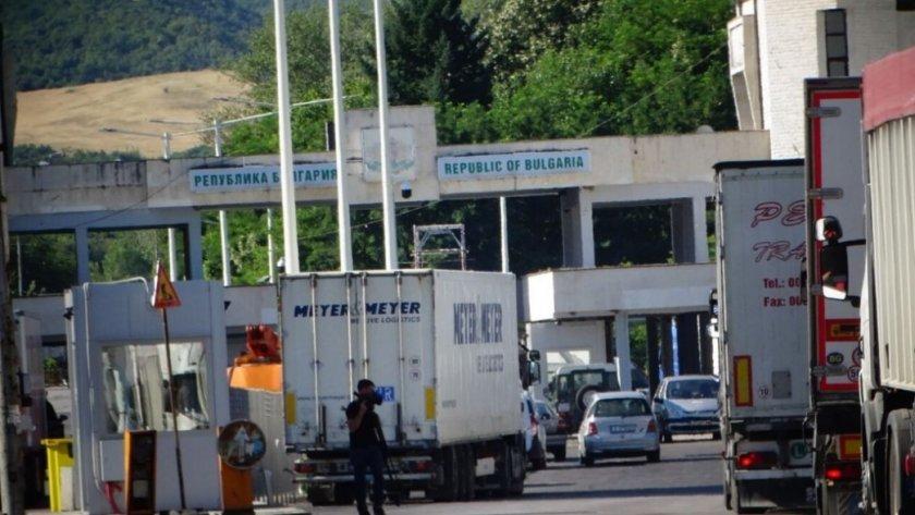 От тази нощ гръцките власти възстановиха системата за