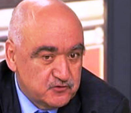 Впетък здравният министър Кирил Ананиев поискаоставкатана управителя на Здравната каса