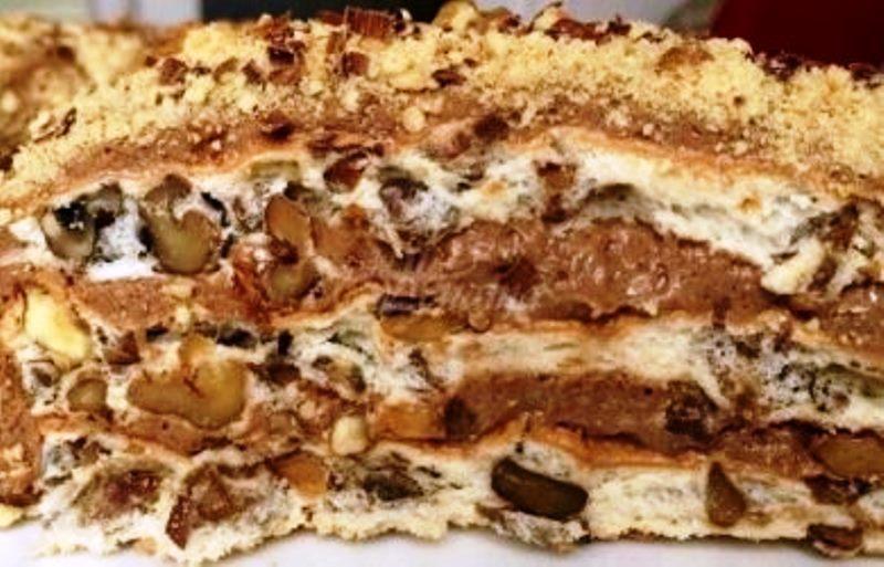 И така, ето я и нея: кралска торта без брашно КРАЛСКА ТОРТА За
