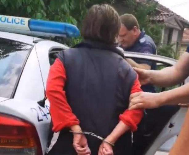 Арестуваха убийците на котка от столичния квартал