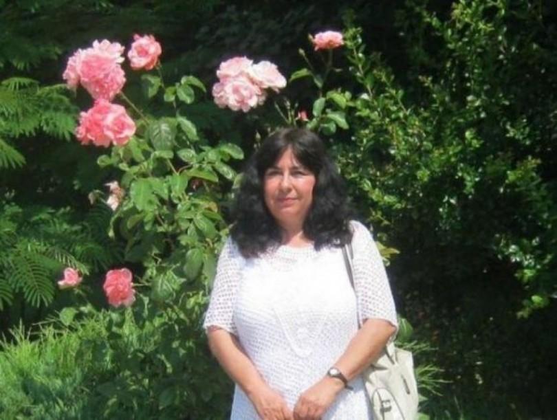 Ивелина Пенчева е икономист по образование и астролог по призвание.