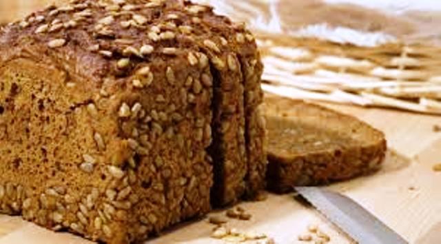 Пълнозърнестият хляб, както и храни като ориз и картофи, обаче