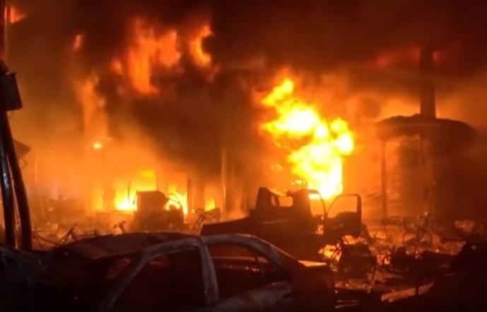Снимка: Трагедия! Над 70 Души Загинаха В Адски Пожар! Видео От Мястото