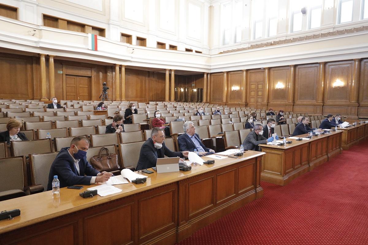 Свикват две комисии в понеделник, очаква се и пленарно заседание