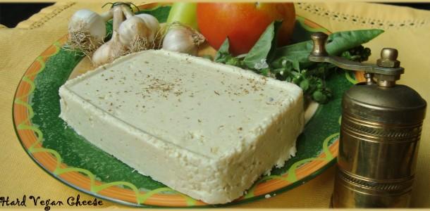 В рецептата е използванахранителна мая/nutritional flakes; nutritional yeast/. Тя се
