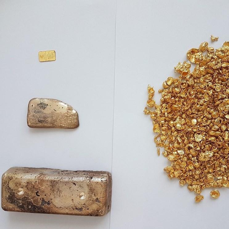 Контрабандният златен материал е открит при проверка на автобус, със