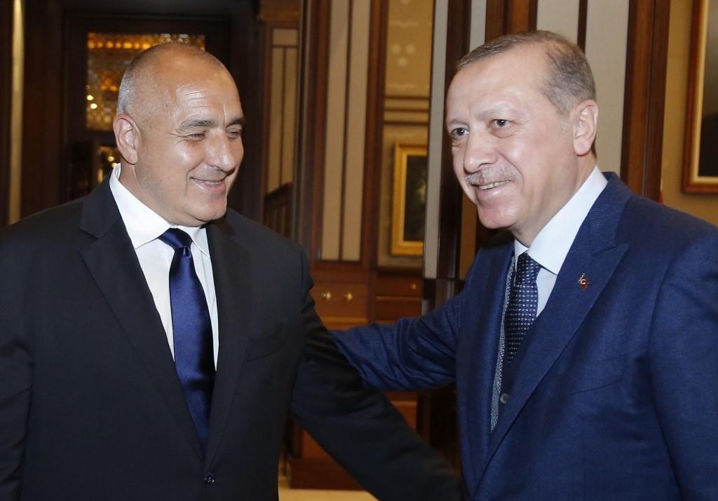 На форум на управляващата партия в Сакария Ердоган каза вчера,