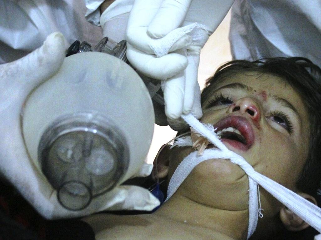 Според Сирийския център за наблюдение правата на човека най-малко 21
