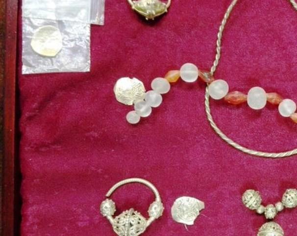 Задържаните със златното съкровище казанлъчани са пуснати на свобода след