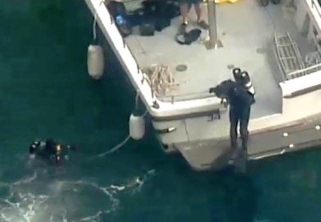 Полицаи водолази в Австралия издирват оцелели, след като хидроплан с