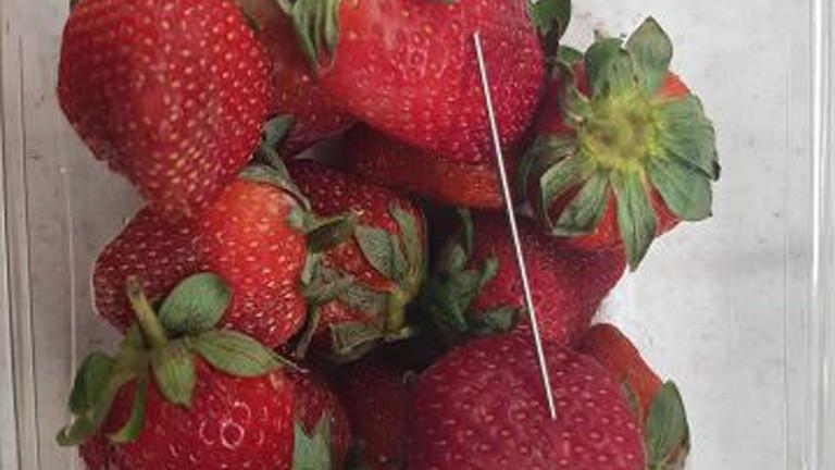Допълва се, че клиентите могат давърнат ягодите и ще бъдат