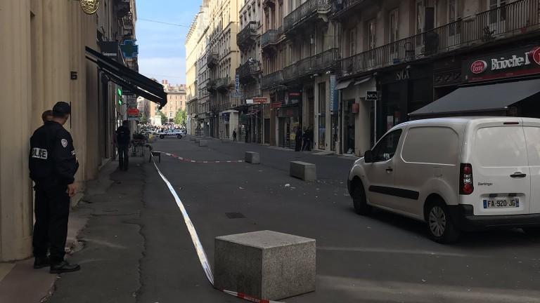Взривът е станал около 17:30 часаместно време на пешеходната улица