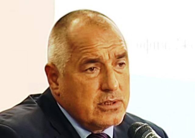 В състава на щаба влизат министърът на вътрешните работи Валентин