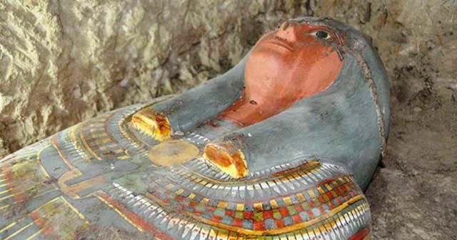 Археолозите добавиха, че също така саоткрили обществено гробище. Представителите поясниха,