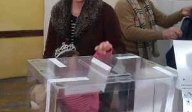 Зеленски печели над 50 на сто от изборния вот, сочат