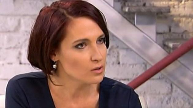 Тя уточнява, че е имала телевизионен проект, различен от публицистиката