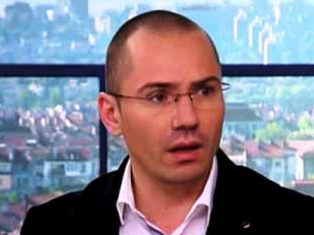 Ангел Джамбазки отново изказа възмущението си от начина, по който