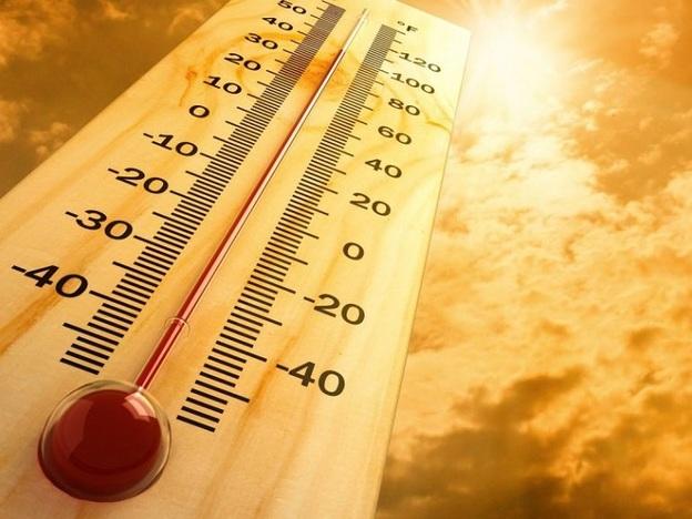 Предимно слънчево и горещо ще е времето и