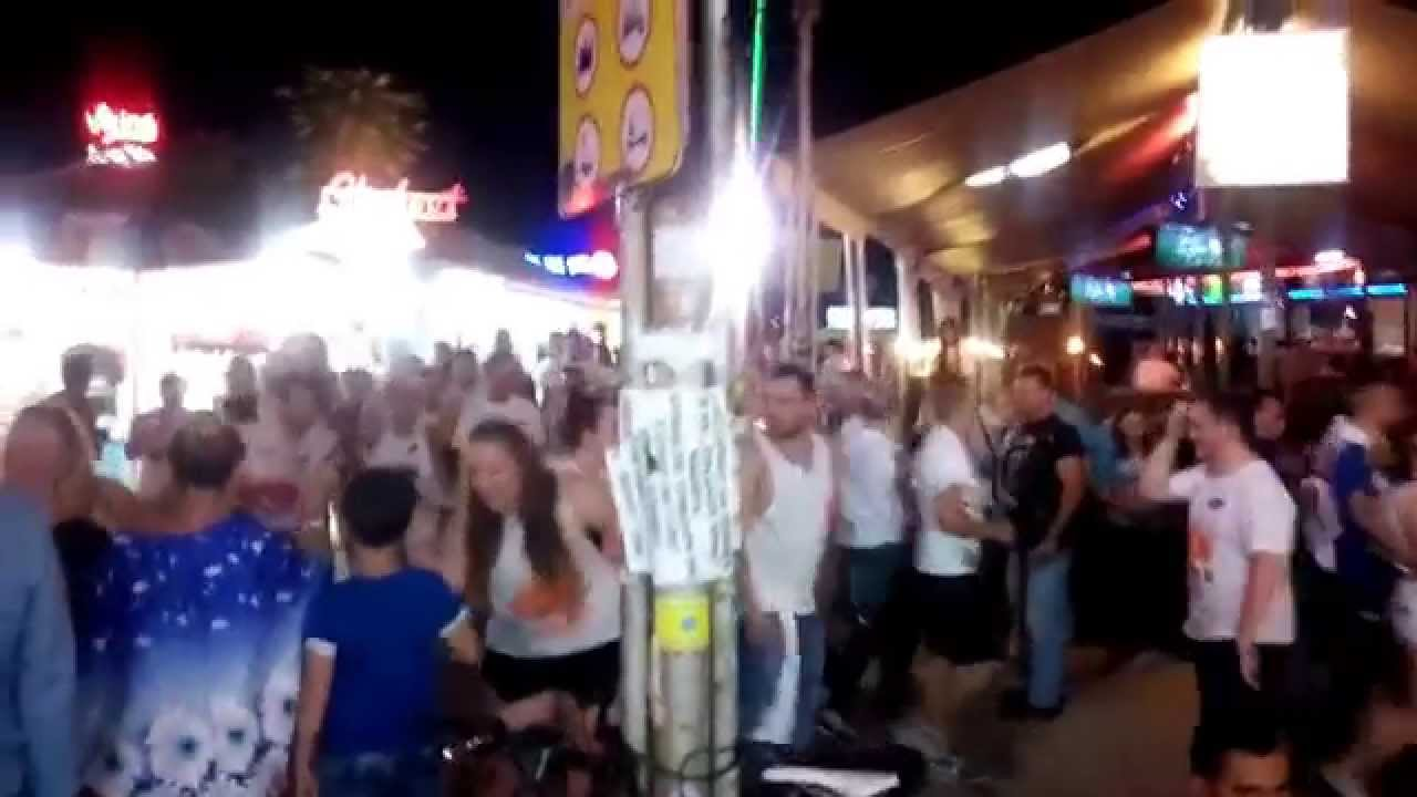 Местните твърдят, че румънски туристи пристигат с кемпери и каравани,
