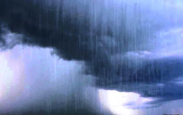 През нощта срещу неделя слаб дъжд ще превали в южните