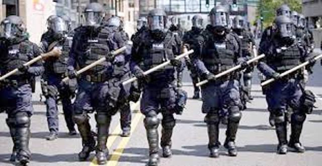 Миналия уикенд полицията арестува над 1000 души в Париж, а