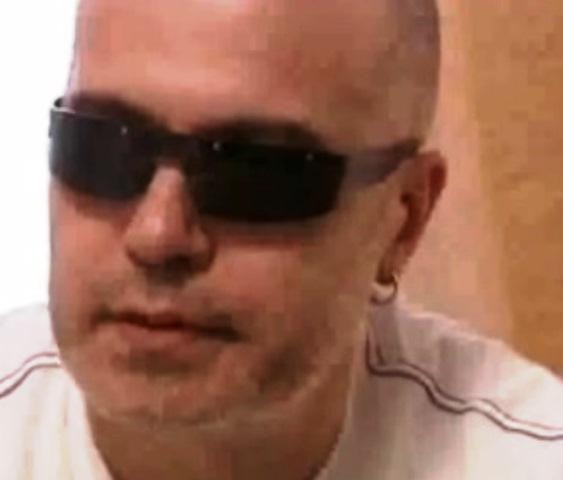 Няколко месеца след операцията, той вече е възвърнал зрението си.