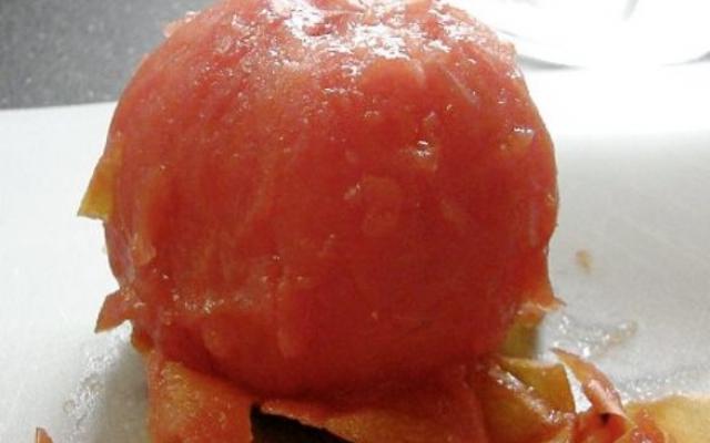 Благодарение на киселините, които съдържат, доматите имат свойството и да
