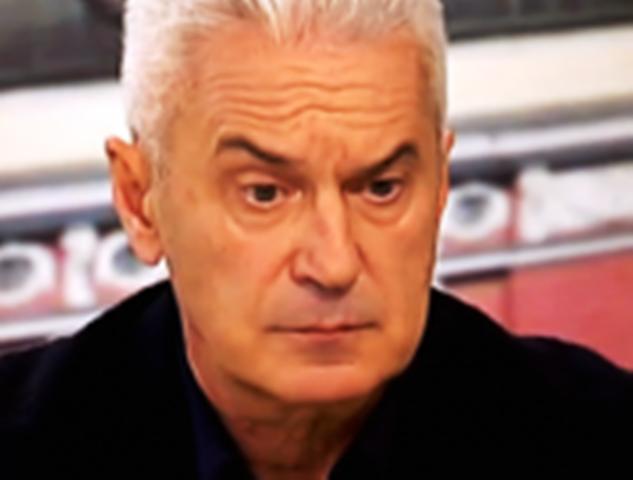 Според Сидеровфизическото отсъствие на Бойко Борисов от България не е