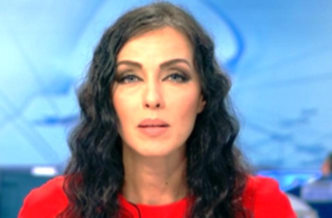 Снощи Виктория Петрова се показа в новините с наедряло коремче.