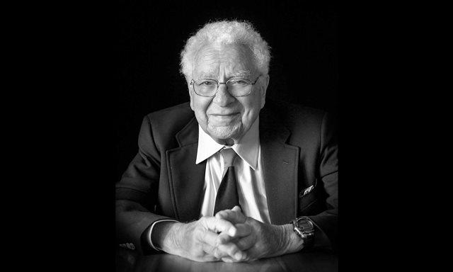 Той получава наградата през 1969 за открития, свързани с класификацията