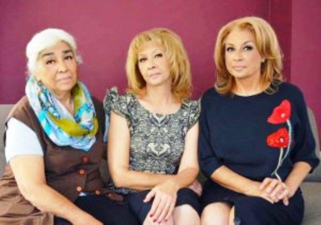 Снимка: Тя Винаги Е Запазвала Мълчание, Но Това, Което Призна Майката На Азис Разтърси България! Кралят На Фолка Е