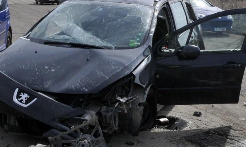 17-годишно момиче пострада тежко при пътно-транспортно произшествие, съобщиха