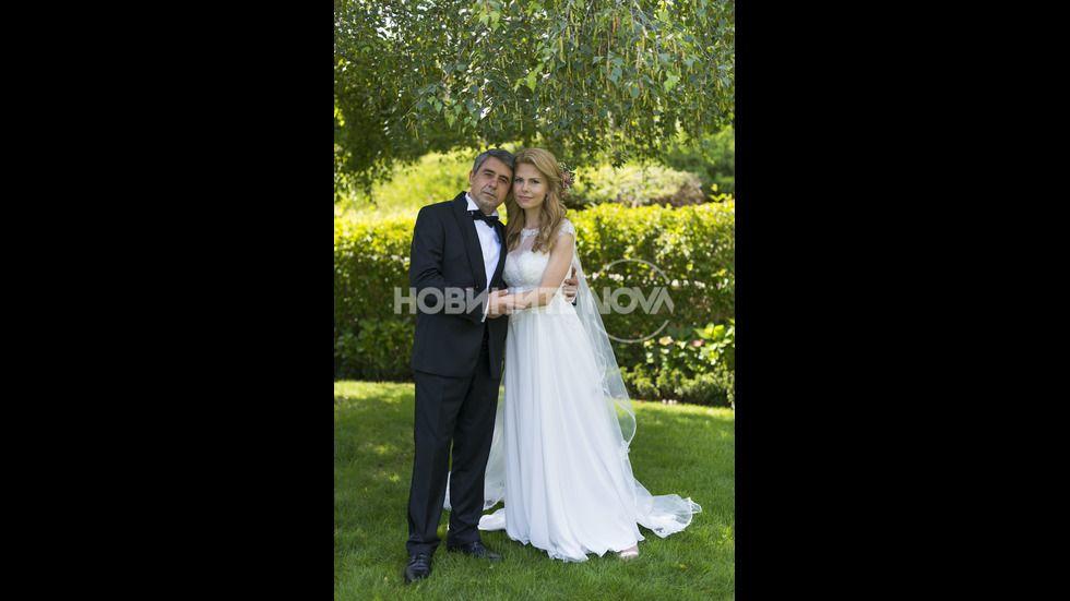 Младоженците, които се сгодиха през март тази година, очакват син