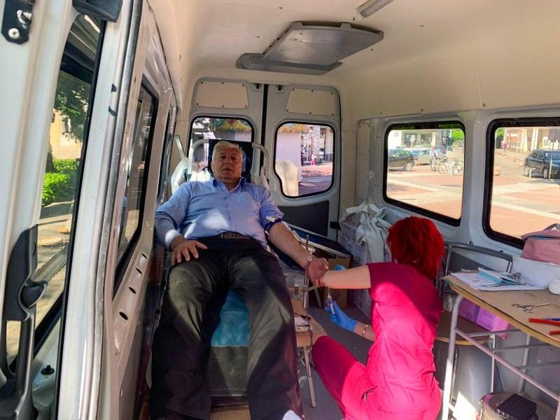 Успешен старт на общинската кампания за кръводаряване даде