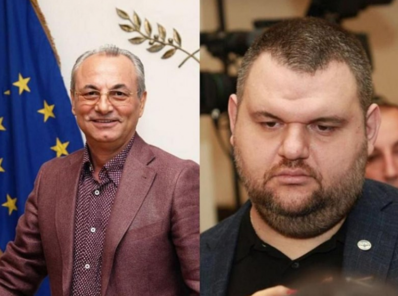 Почетният председател на ДПС Ахмед Доган и депутатът
