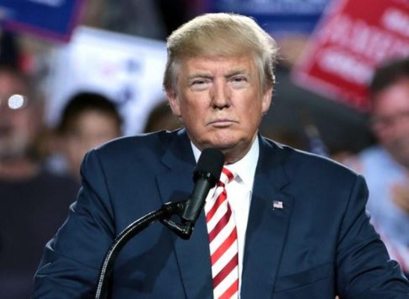 Американският президент Доналд Тръмп подписа изпълнителна заповед за