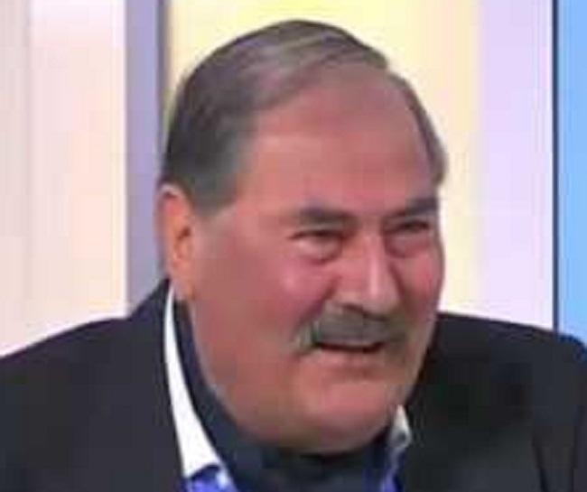 Сред дошлите да се сбогуват с Ганчев бяха политиците Николай
