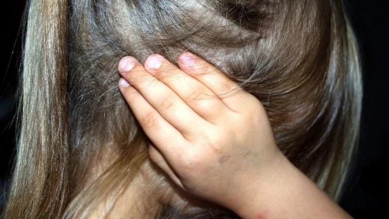 36-годишна майка сигнализира полицията, че спрямо дъщеря й,
